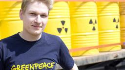 Greenpeace Kampaigner Tobias Riedl© Bente Stachowske / Greenpeace