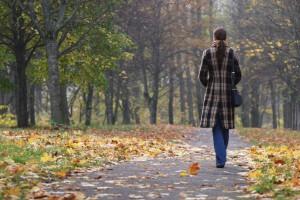 Herbst-u-Depression: Mit den dunklen Monaten kehrt der Herbst- und Winterblues ein. Die saisonal abhängige Depression tritt allerdings bei nur etwa 10 Prozent der Betroffenen auf.