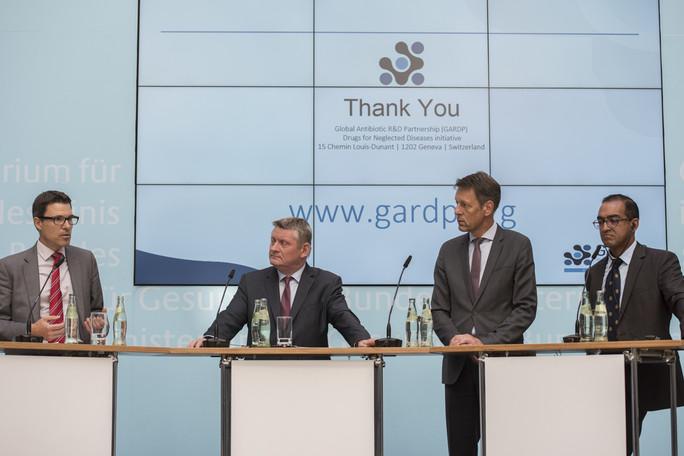 Pressekonferenz zum Kampf gegen Antibiotika-Resistenzen