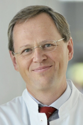 Professor Dr. med. Walter E. Haefeli ist Ärztlicher Direktor der Abteilung Klinische Pharmakologie und Pharmakoepidemiologie des Universitätsklinikums Heidelberg