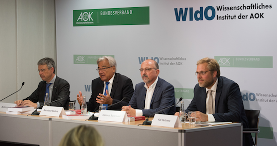 Foto: Pressekonferenz Fehlzeiten-Report 2016 - Podium - stq