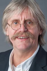 Professor Manfred Schedlowski ist Direktor des Institutes für Medizinische Psychologie und Verhaltensimmunbiologie am Universitätsklinikum Essen