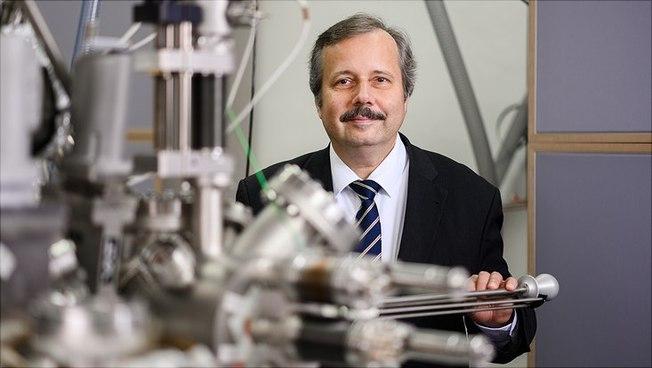 Foto: Sebastian Engels Prof. Dr. Roland Wiesendanger