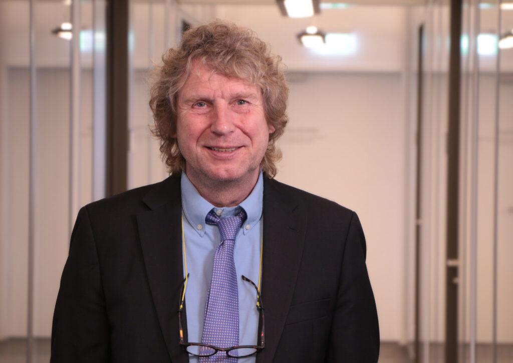 Das Foto zeigt: Prof. Dr. Bernd Raffelhüschen